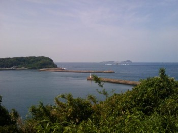 呼子ロッジ近くより加部島と小川島
